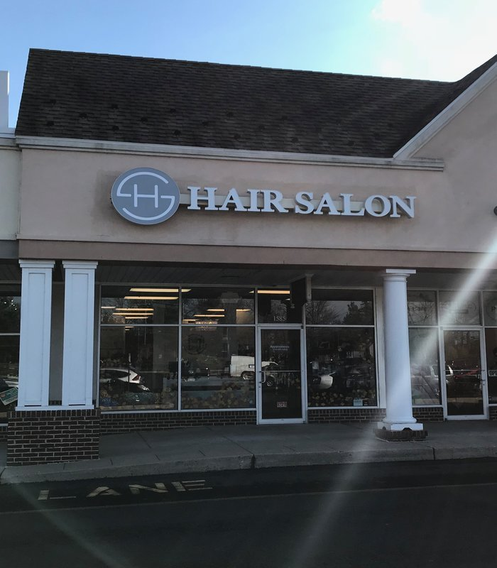 Exterior of Headstrong Salon in Yardley, PA