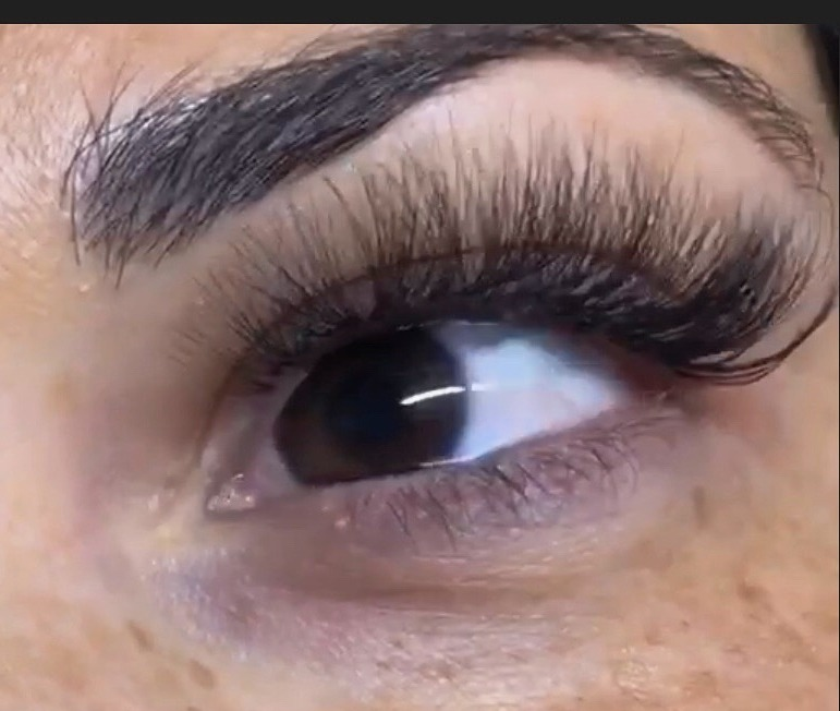 Full Set of 6D lashes!